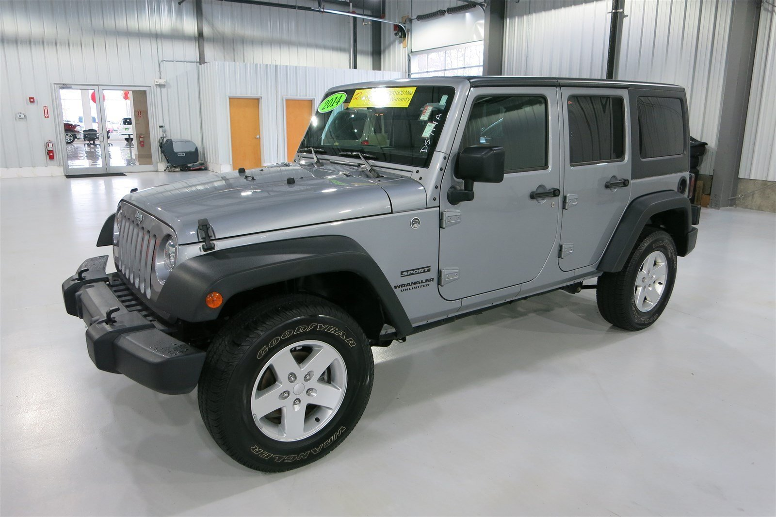 certified pre owned 2014 jeep wrangler unlimited sport convertible in marshfield d5714a quirk. Black Bedroom Furniture Sets. Home Design Ideas