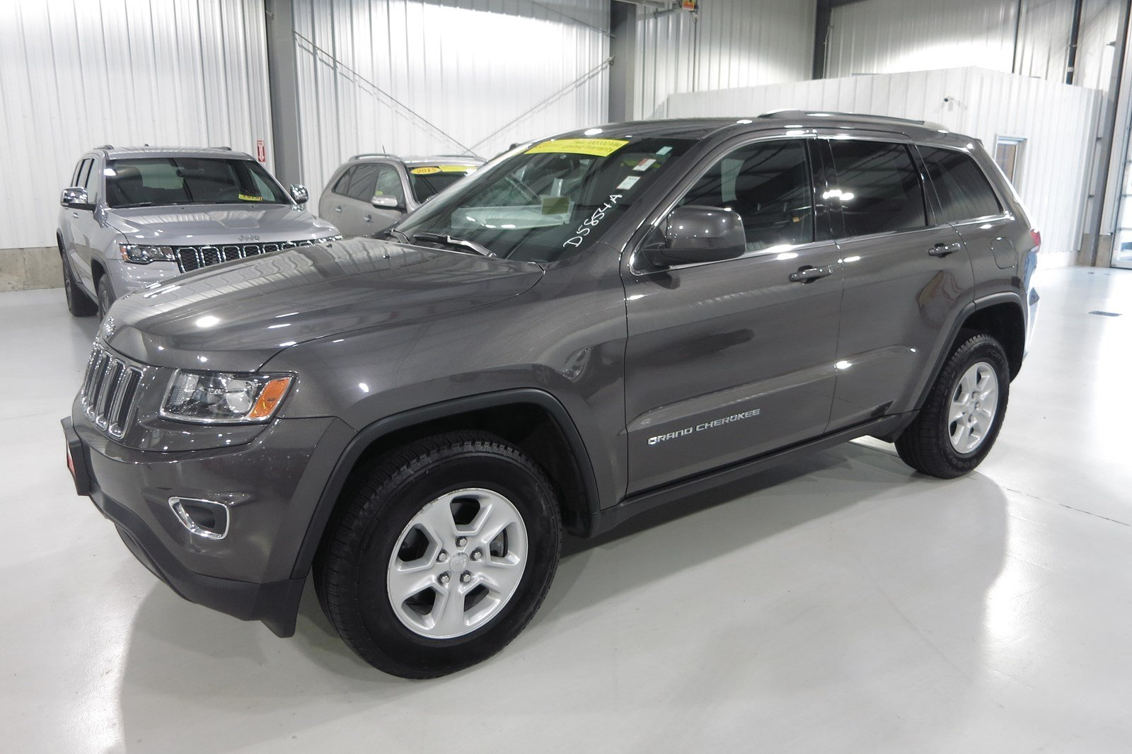 certified pre owned 2015 jeep grand cherokee laredo sport utility in marshfield d5854a quirk. Black Bedroom Furniture Sets. Home Design Ideas